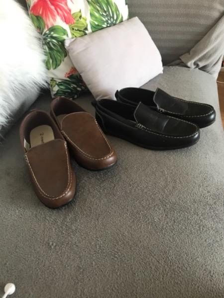 Donne chaussures homme taille 42 une paire noire une paire marron